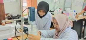 Tim Jurusan Kimia UBB Membuat Hand Sanitizer Untuk Pencegahan Dan Antisipasi Covid-19